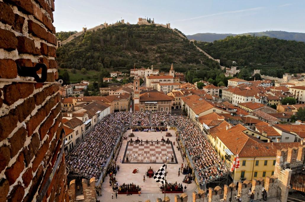 bocelli concerto marostica ile ilgili görsel sonucu