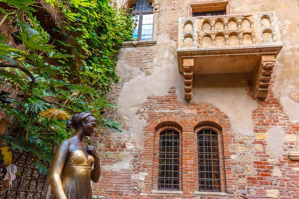 ROMEO JULİETTE HOUSE ile ilgili görsel sonucu