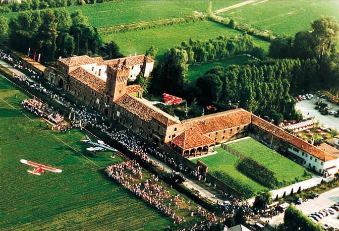 San Pelagio Castle ile ilgili görsel sonucu